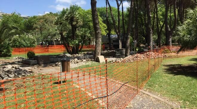 Lavori in corso al parco Puccinelli di Marina di Carrara