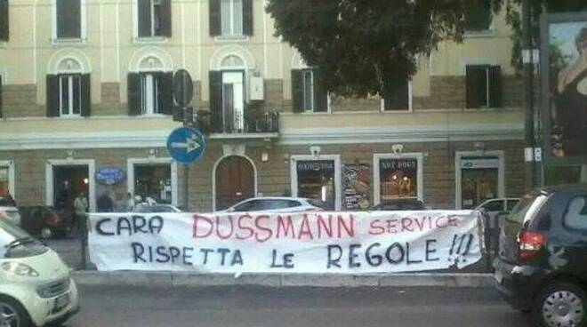 La protesta contro la Dussman