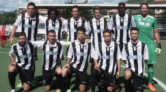 Una formazione della Lavagnese per la stagione 2017 - 2018.