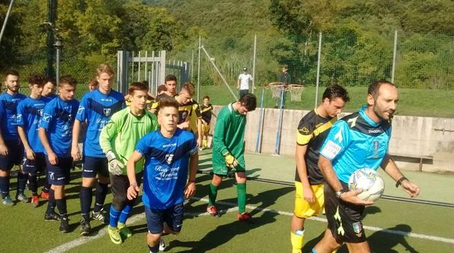Versilia Calcio-Monti