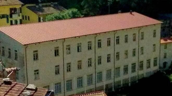 """Scuola primaria """"M.Garosi"""" a Forno"""