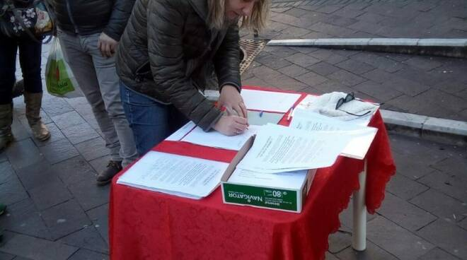 Martina Nardi firma la petizione per la palestra Fujiyama
