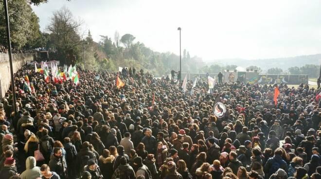 Una foto della manifestazione antifascista di Macerata