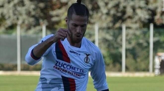 """Gabriele Vangi centravanti dello Scandicci che ha fatto ritorno in maglia """"Blues"""" dopo l'esperienza al Prato in Serie C."""