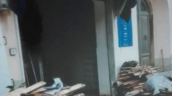"""Il negozio """"Rebecca Uomo"""" all'indomani dell'alluvione"""