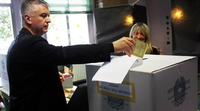 Massimo Mallegni (FI) al voto