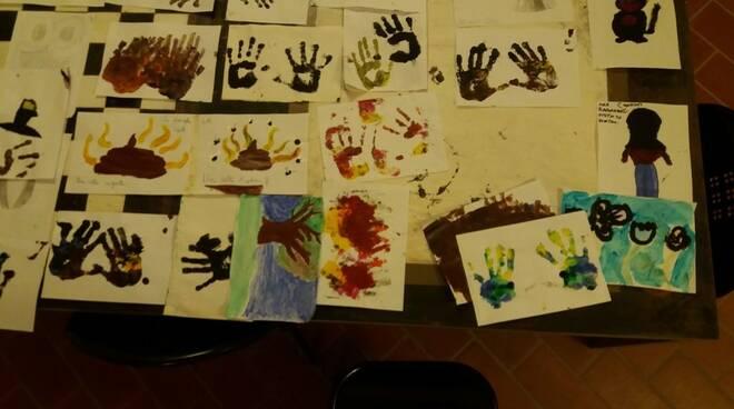 Attività di pittura al centro Saffi