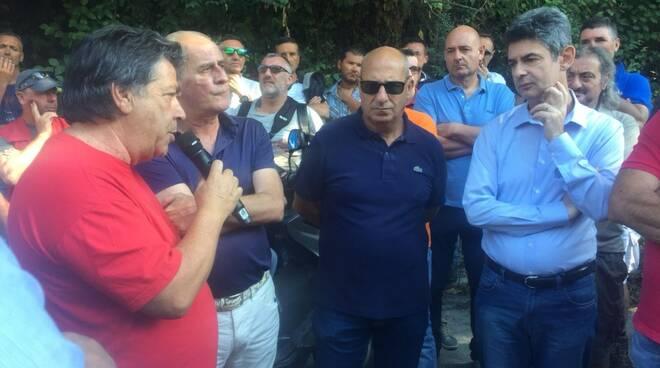 Roberto Venturini parla al sindaco e al vicesindaco