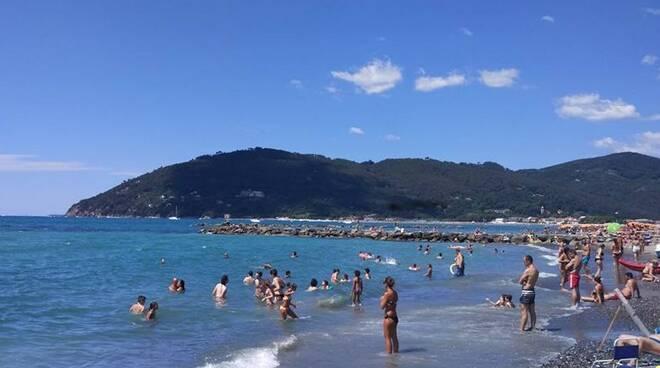 Il mare di Marina di Carrara