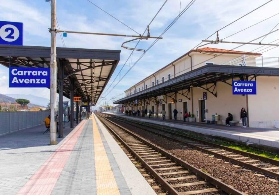 Stazione Carrara-Avenza