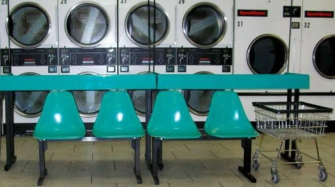 Una lavanderia self-service