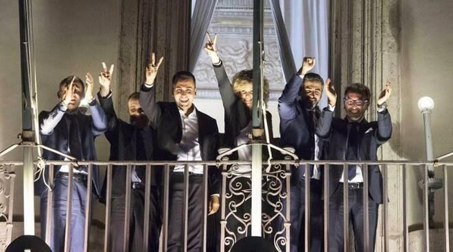 I ministri del Movimento 5 Stelle dopo l'approvazione della nota di aggiornamento al Def