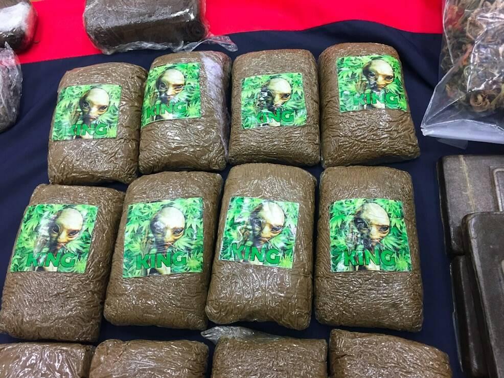 """100mila euro di droga nascosti sotto il letame: arrestato il """"Vecchio del monte"""""""