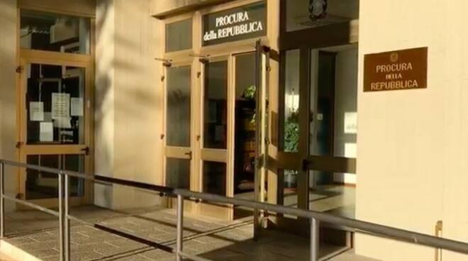 L'ingresso della Procura di Massa
