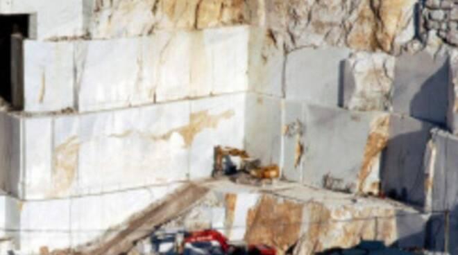La cava di Breccia Capraia nel comune di Massa