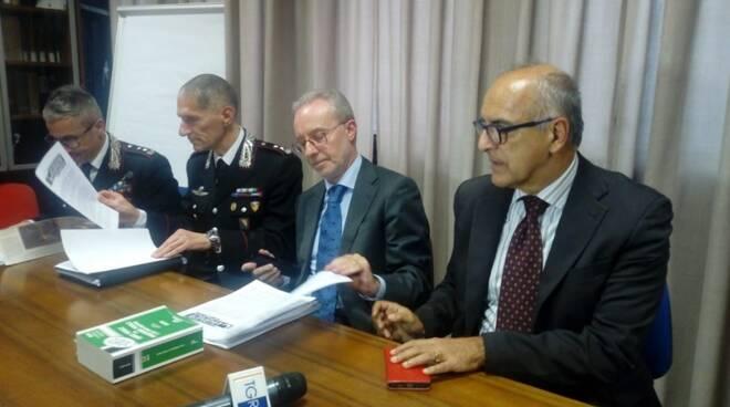 Da sinistra il capitano Rosati, il colonnello Marchi, il pm Manotti e il procuratore capo Cozzi