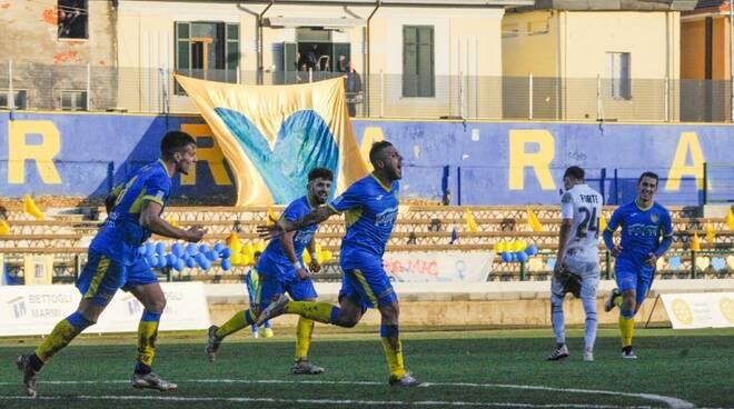Carrarese-Pistoiese 2-1 (09/12/2018)