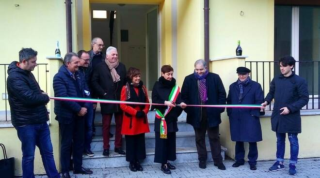 Il momento dell'inaugurazione degli alloggi popolari a Licciana Nardi
