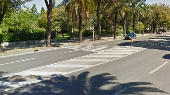 Il viale XX Settembre a Carrara nei pressi di Turigliano