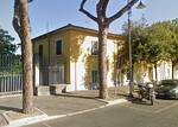 La caserma della Guardia di Finanza di Marina di Carrara