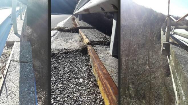 Alcune foto che mostrano le crepe e gli spostamenti del ponte sulla SS 63 per Cerreto Laghi