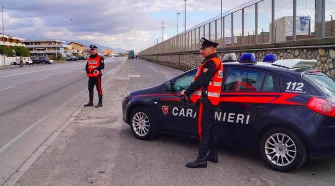 Carabinieri sul litorale di Marina di Carrara