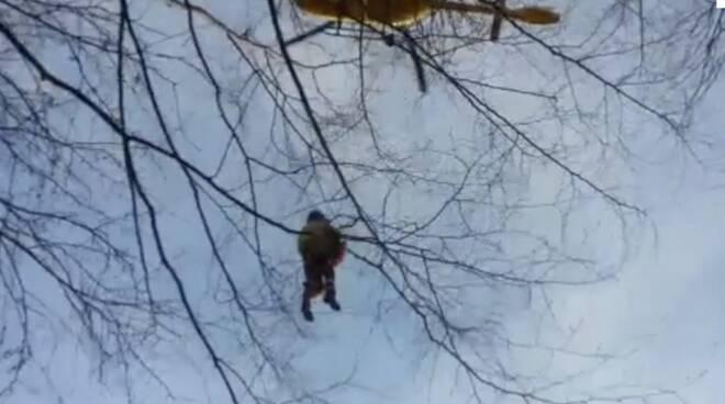 Il Pegaso recupera l'escursionista infortunata