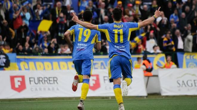 Biasci e Piscopo festeggiano il gol