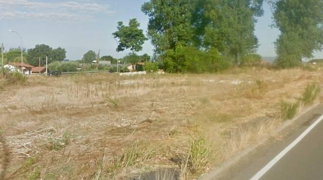 L'area di via Massa Avenza dove sorgerà il parcheggio Grendi