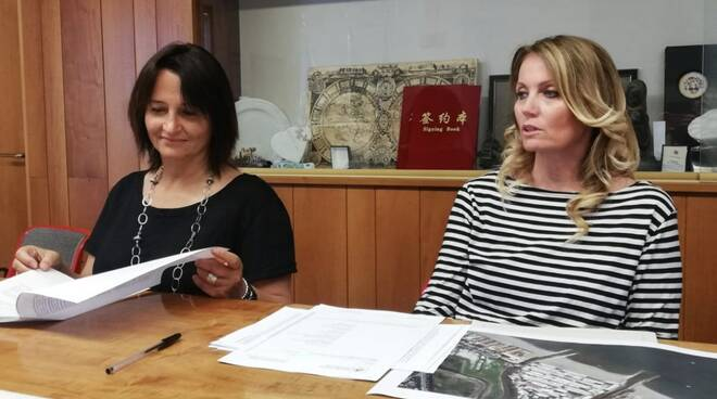 Da sinistra: Anna Galleni e Sarah Scaletti