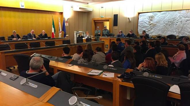Liceo Marconi, il Consiglio provinciale e la manifestazione degli studenti