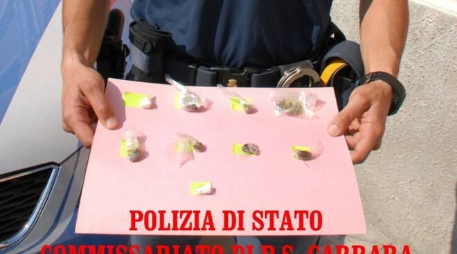 Droga sequestrata dagli agenti del Commissariato di Carrara