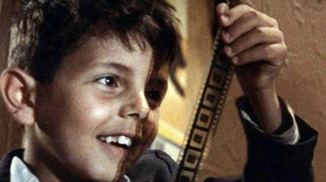"""Il piccolo Salvatore Cascio in """"Nuovo Cinema Paradiso"""""""
