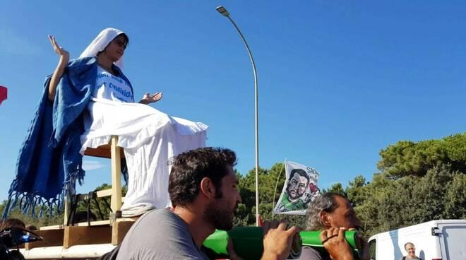 """""""Massa-Carrara non si Lega"""", la manifestazione anti-Salvini"""