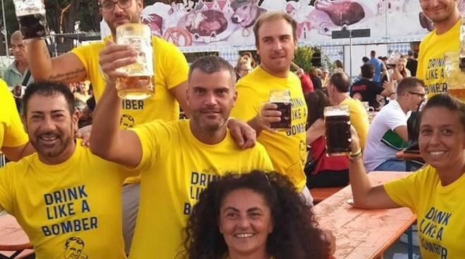 Alcuni fedelissimi della Carrara Bier Fest