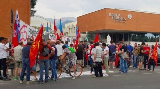 Una manifestazione dei lavoratori dell'ex-Nuovo Pignone