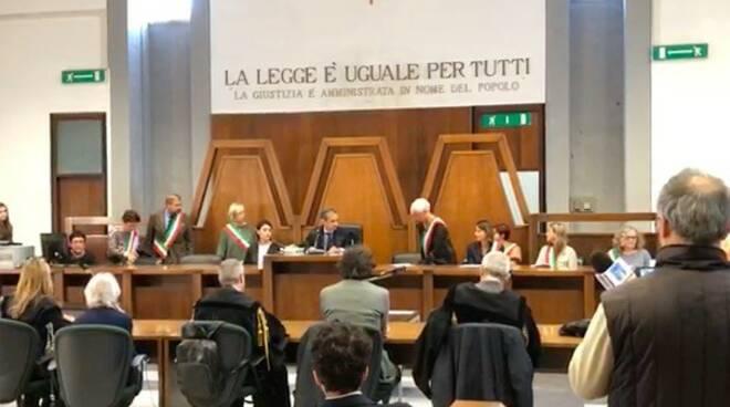 Eutanasia, Marco Cappato e Mina Welby a processo a Massa