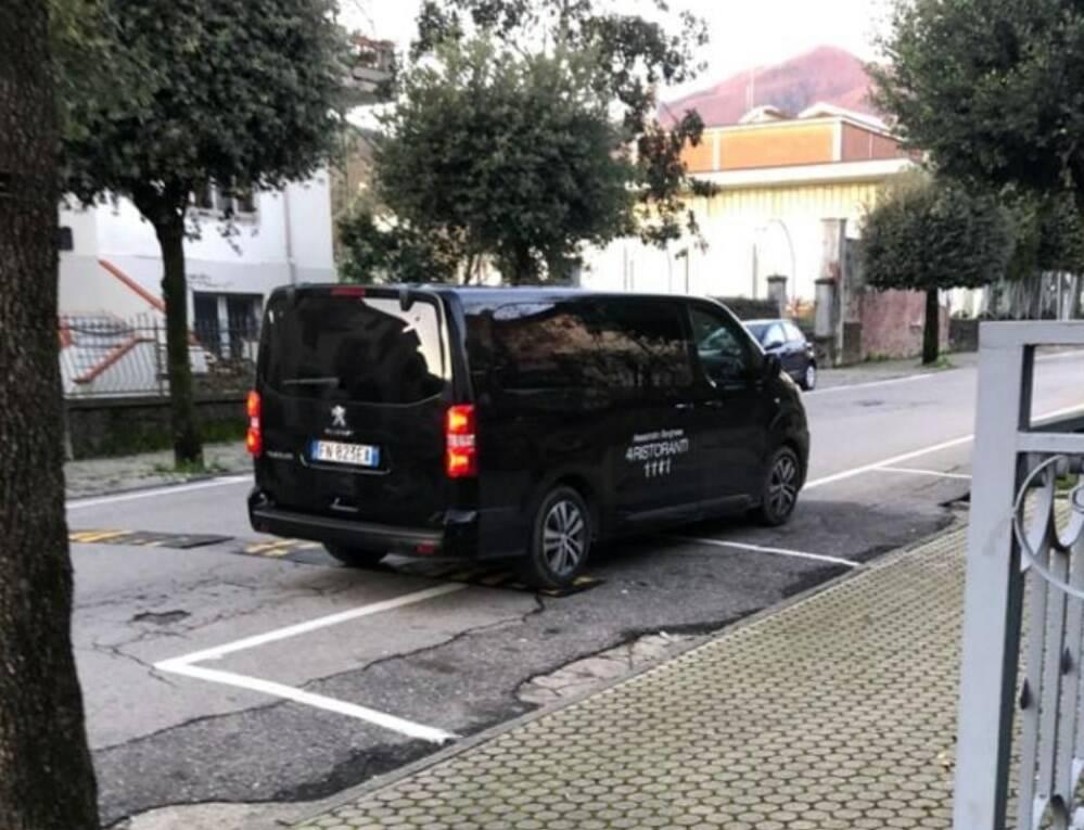 Il van di 4 Ristoranti avvistato a Pontremoli