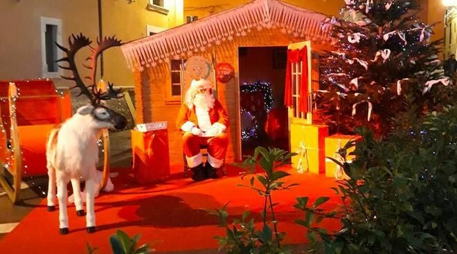 La casetta di Babbo Natale a Carrara