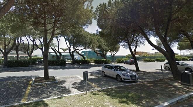 Il parcheggio di Marina di Carrara dove potrebbero sorgere parcheggi a pagamento