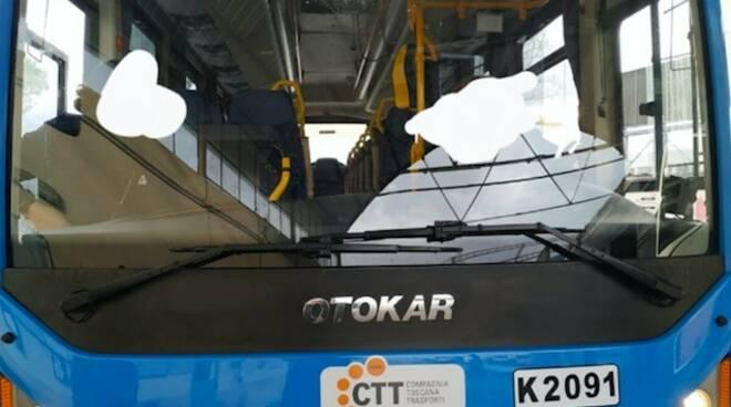 Il bus che ha subìto il guasto