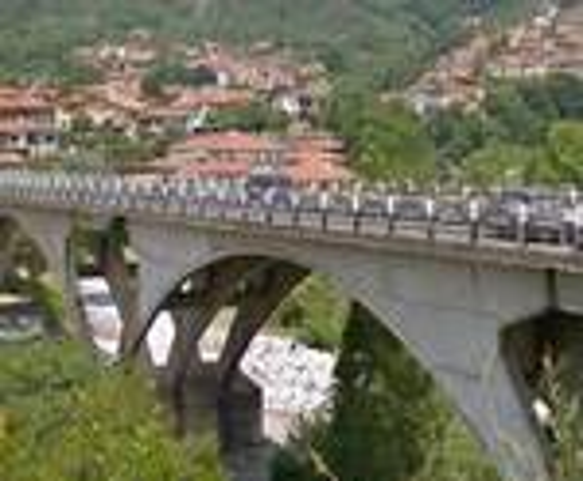 Il ponte Trieste a Massa