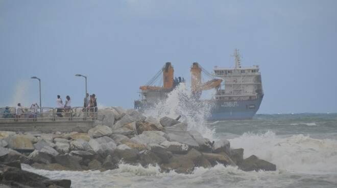 Mareggiata a Marina di Carrara 11/08/2017