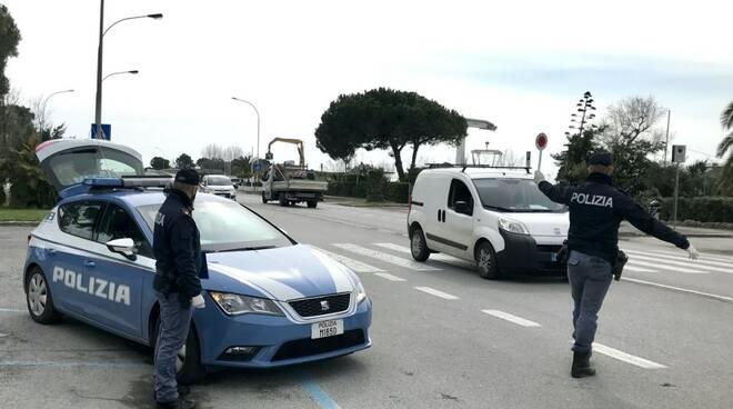 Coronavirus, controlli su strade, stazioni e caselli a Massa-Carrara