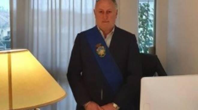 Il presidente della Provincia e sindaco di Montignoso Lorenzetti