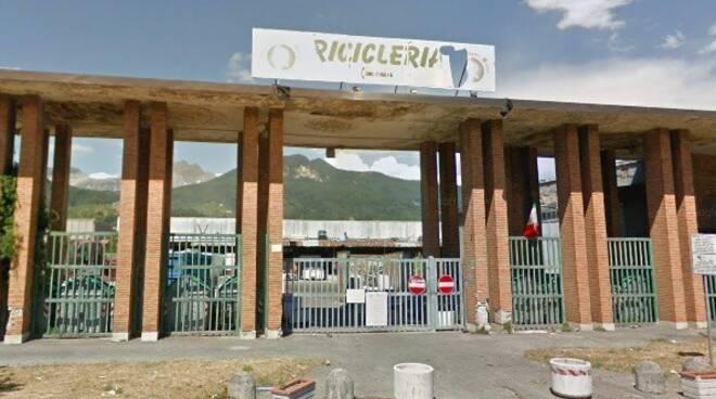 La Ricicleria in via Dorsale a Massa
