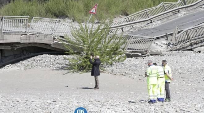 Crollato il ponte sul Magra, disastro ad Albiano