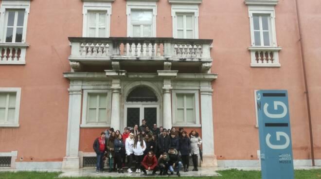 Gli studenti dell'alberghiero in visita al museo Gigi Guadagnucci