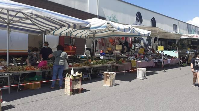 Il mercato di Avenza trasferito in zona Prada