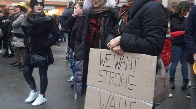 Manifestazione dei docenti per la sicurezza nelle scuole